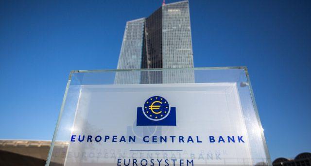 Spread giù con i tassi BCE fermi più a lungo