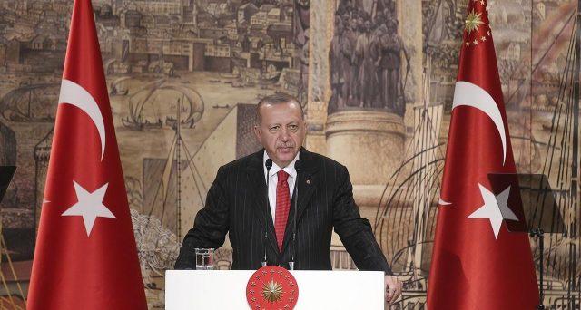 Lira turca ai minimi storici e crollo dei bond