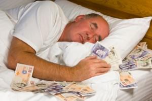 soldi sotto il materasso