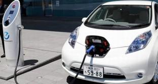 Graziano Delrio afferma che è pronto un pianto per l'auto elettrica che prevede un investimento di 32 milioni di euro che permetterà la realizzazione di 20.000 colonnine per ricariche nei prossimi due anni e mezzo.