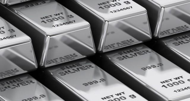 L'investimento nell'argento potrebbe portare buone soddisfazioni, considerando i dati storici degli ultimi anni. I prezzi sono saliti del 20% quest'anno, ma il rally potrebbe non essere finito.