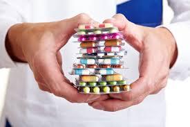 Sulla salute non si risparmia … o forse si? Tra farmaci generici, farmacie online e parafarmacie le vie per abbattere i costi della sanità non mancano. Ma sono tutte sicure?