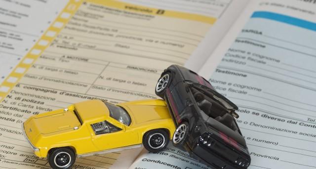 Come risparmiare sull'assicurazione auto? L'ultima novità è una clausola che sta facendo discutere: ecco di cosa si tratta e cosa rischia l'assicurato