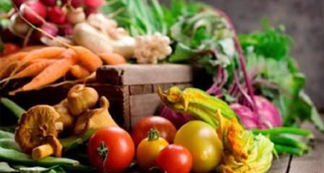 I prodotti Bio vincono la crisi, il fatturato segna + 19% di crescita. Sempre più italiani preferiscono comprare prodotti biologici: latte, frutta, vino e anche carne.