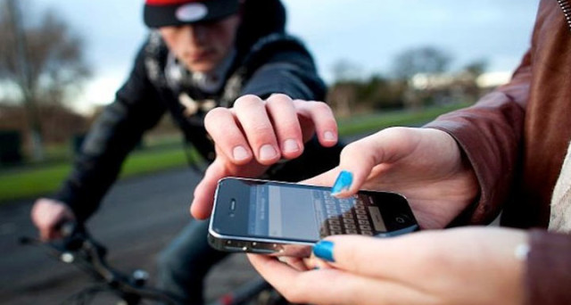 Se siete vittima del furto del cellulare, ecco le tre cose da fare immediatamente.