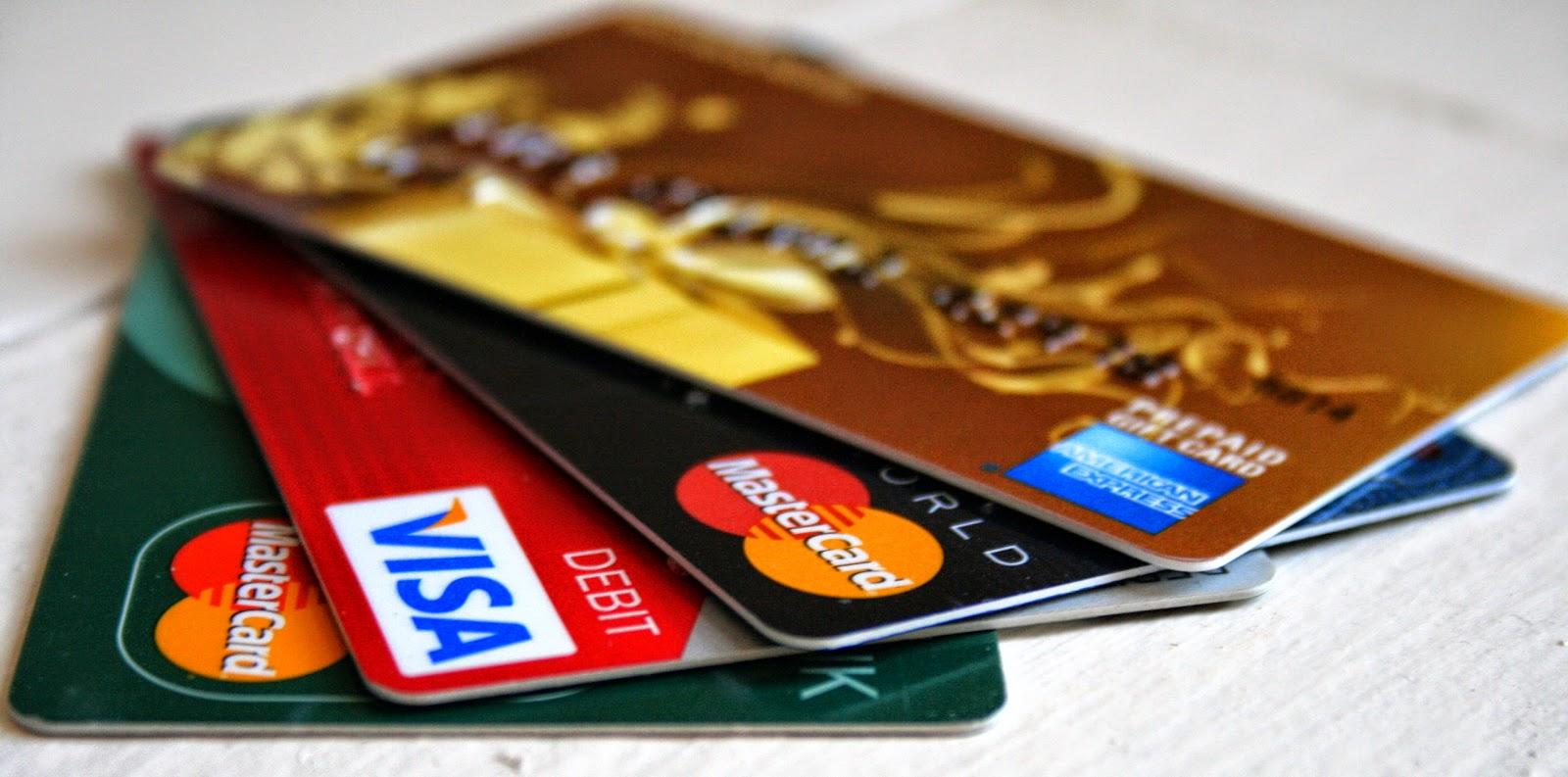Carte di credito e bancomat: nuovo regolamento con regole più trasparenti - InvestireOggi.it