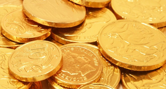 Prezzo dell'oro altalenante. Due eventi segnano le quotazioni, ecco quali.