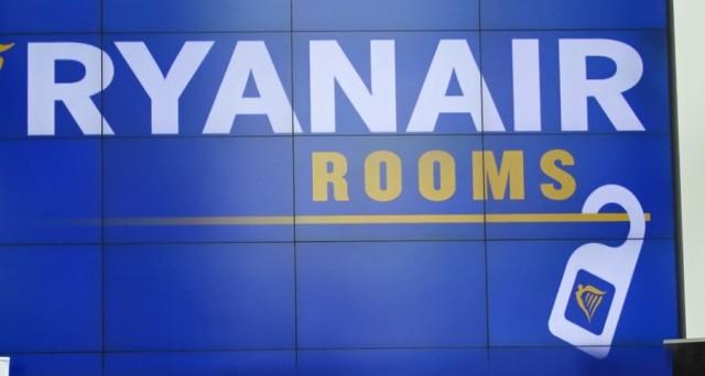 Ryanair prende il volo: dopo i biglietti low cost la vacanza si completa con la prenotazione degli alloggi. Tremano Booking e Airbnb?