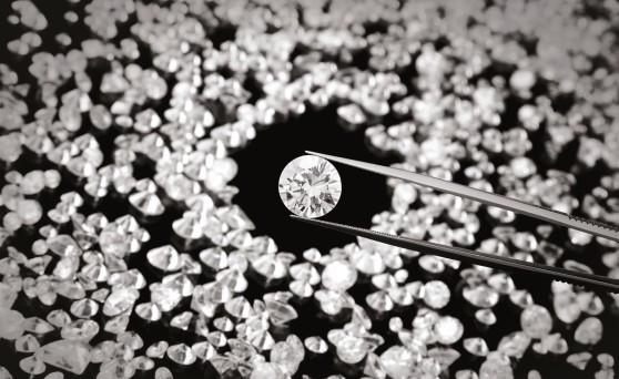 Investimenti in diamanti: ecco le regole di sicurezza per tutelarsi dal rischio truffa e fare investimenti sicuri