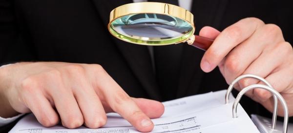 Reddito Isee: occhio ai prestiti accreditati sul conto corrente, perché potreste perdere il diritto a prestazioni assistenziali da parte dello stato.