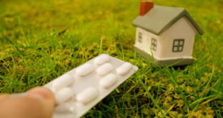 Ecco tutte le info su come funziona il servizio a domicilio dei farmaci. Ma esso è gratuito o a pagamento?