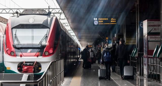 Da oggi 1° agosto i biglietti Trenitalia valgono 24 ore anziché due mesi, Codacons: illegale e assurdo, le regioni si ribellino.