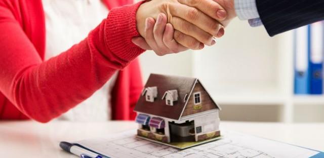 Negli ultimi anni il numero di coloro che hanno acquistato una casa all'estero è aumentato. Chi non ha liquidità, però, dovrà stipulare un mutuo.
