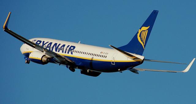 Arrivano le offerte estive di Ryanair: prenotando con anticipo si potrà risparmiare molto sul costo dei voli low cost per le destinazioni europee più importanti.