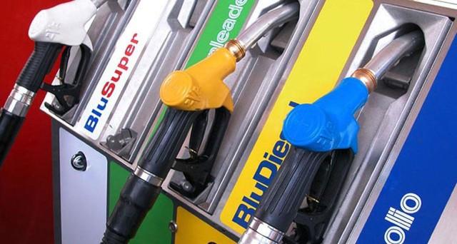 Il prezzo medio della benzina in modalità self si attesta a 1,547 neuro per un litro, per il diesel 1,393. In rialzo i prezzi offerti da Esso