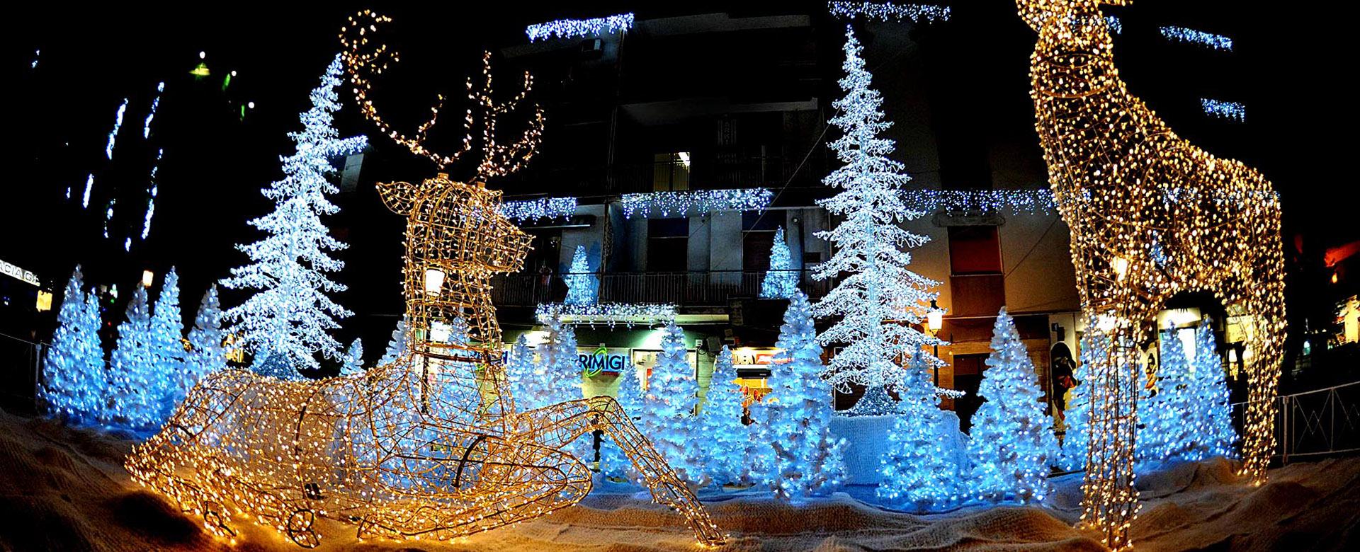 Illuminazione Natale Salerno: Luci d artista decorazioni in piazzetta ...