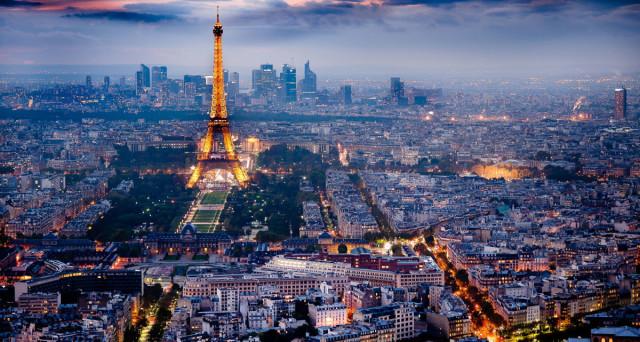 Ponte 2 giugno 2017: offerte weekend da cogliere al volo per Parigi, Berlino, Crociere sul Mediterraneo e parchi.