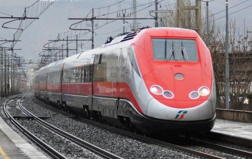 Ecco tutte le info sugli aumenti dei  biglietti in abbonamento Trenitalia per i treni ad Alta Velocità di oggi 17 gennaio 2017 con tutte le tratte.