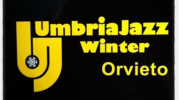 Ecco le info sulle date dei  concerti, sugli artisti che esibiranno e sul prezzo dei  biglietti dell' Umbria Jazz Winter 2016-2017 a Orvieto.