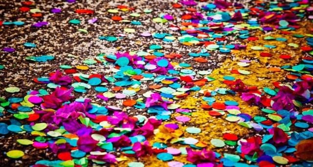 Ecco le date in cui festeggeremo il Carnevale 2017, le info su dove trovare gli sconti per il Carnevale di Viareggio e come risparmiare sui costumi per bambini.