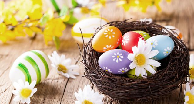 Offerte viaggi Pasqua e Pasquetta 2017: proposte di primavera per centri benessere, weekend romantici e Spa in Italia.