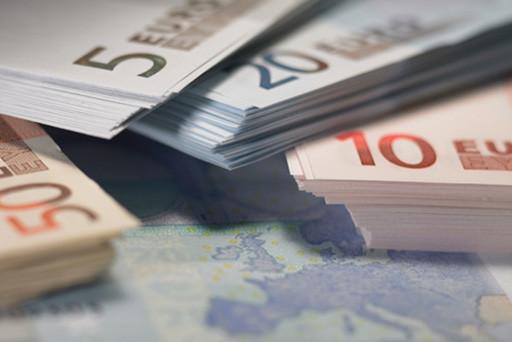 Ecco come fare per pagare il meno possibile ed alcuni consigli per risparmiare sul conto corrente.