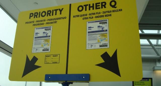Che cos'è l'imbarco prioritario sui voli aerei: come funziona e cosa offre su Alitalia, easyjet, Ryanair e Wizzair.