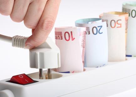 Ecco alcuni piccoli consigli utili su come fare a risparmiare sulla bolletta dell'energia.