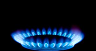 L'aumento delle bollette gas e la crescita delle tariffe autostrade, carburante, etc.: perché Codacons parla di una stangata da 914 euro.