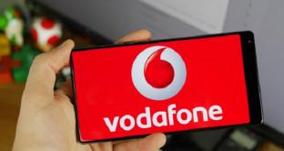 Vodafone finisce nel mirino degli hacker: la truffa ai danni dell'operatore riguarda un programma di ricompense fasullo.