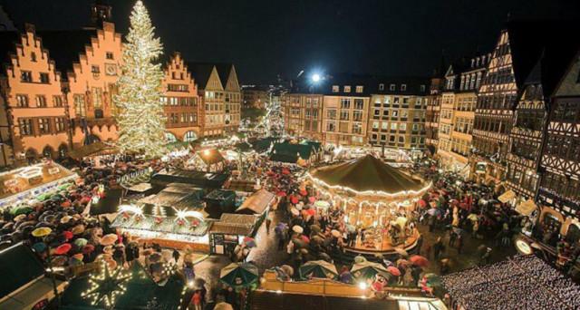 Ecco le migliori offerte a partire da 100 euro per visitare i mercatini di Natale 2017 più belli d'Italia e d'Europa.