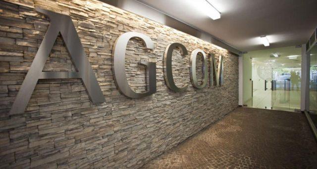 Disservizi migrazione e portabilità numero: arriva un'altra salatissima multa a Tim dall'Agcom di 170.000 euro e nel mirino fisce anche Fastweb.