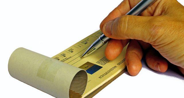 Requisti fondamentali e differenza tra assegno circolare e bancario.