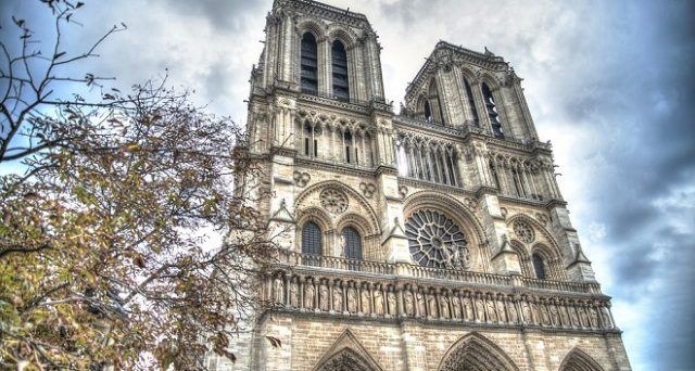 Ecco cosa vedere ed i costi per un viaggio a Parigi in estate 2018.
