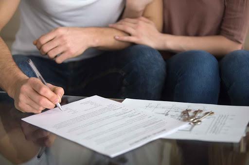 Chiudere il contratto TIM in caso di lutto di un familiare, ecco come si fa e quale modulo compilare.