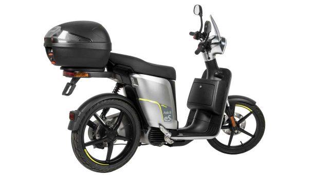Quanto costano alcuni modelli di moto e scooter con il bonus degli incentivi 2020?