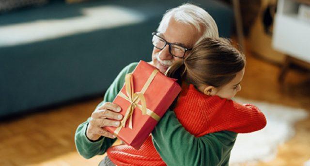 Un regalo speciale per il Natale 2020? I buoni fruttiferi postali, ecco caratteristiche e tassi.