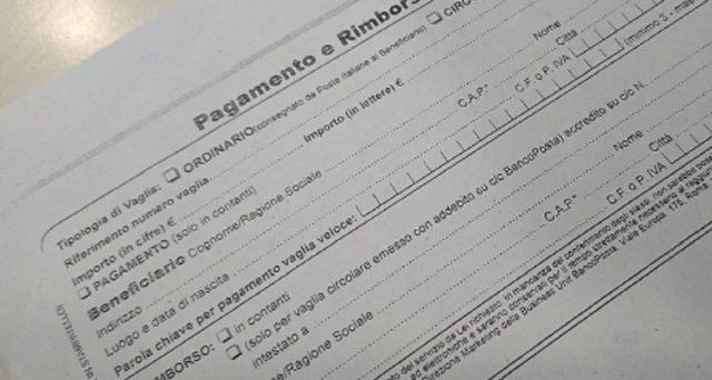 Poste Italiane ha creato una pagina ad hoc dedicata alle truffe ed uno di questa è quella della riscossione del vaglia: eccome come funziona e come proteggersi.