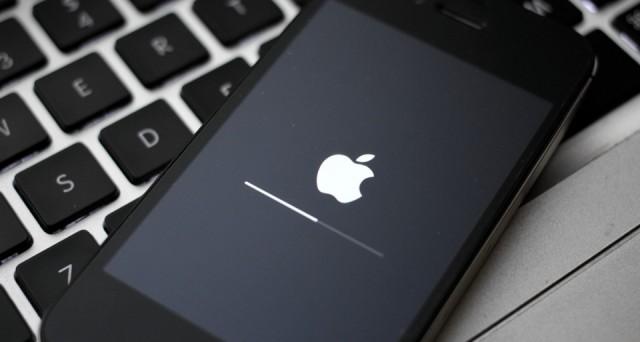 L'aggiornamento degli iPhone e degli iPad a iOS 7 ha già presentato alcuni problemi, di cui gli utenti cercano soluzioni rapide e definitive. Intanto, in molti si chiedono se sia ancora possibile effettuare il downgrade a iOS 6. La risposta è no, ma forse un'alternativa c'è.