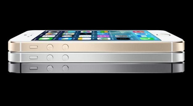 Benvenuto iPhone 5S! Il nuovo melafonino stupisce e meraviglia, soprattutto quando si parla di processore, batteria e Touch ID. Andiamo a scoprire le caratteristiche di iPhone 5S, quando esce e quanto costa in Italia.
