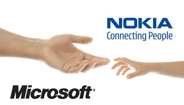 Microsoft acquista gli smartphone e i brevetti Nokia e si prepara alla guerra contro Samsung e Apple. Inoltre, stando agli ultimi aggiornamenti, diventa sempre più insistente la voce che Stephen Elop, ex CEO di Nokia, prenderà il posto di Ballmer alla guida di Microsoft. Intanto la domanda che ci poniamo è: cosa succederà adesso?