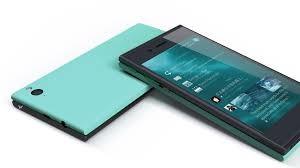 Tra poco uscirà il primo smartphone Jolla, che presenta caratteristiche tecniche abbastanza interessanti e un prezzo un po' altino ma rapportato alla qualità. Uscirà entro la fine del 2013 e suscita già curiosità ed entusiasmo.