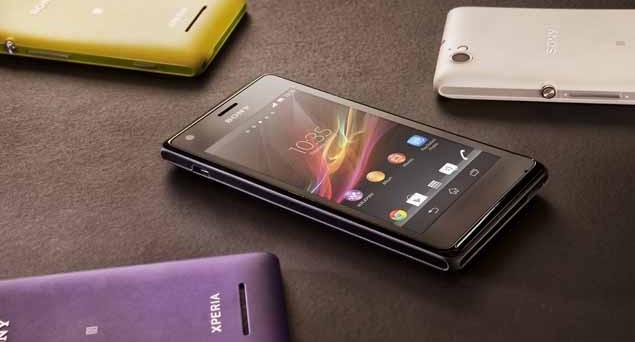 Sony Xperia M è uno smartphone di fascia media molto interessante, caratterizzato da un prezzo aggressivo e da altre specifiche che lo rendono molto interessante. Spiccano infatti il comparto software, le funzioni del chip NFC, il processore performante e una batteria di buon livello. Analizziamo i principali pregi e difetti di Xperia M con questa recensione.