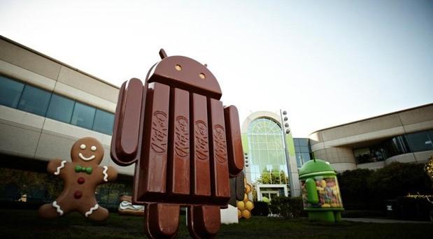 Android 4.4 KitKat è uscito un po' in sordina, forse perché non introduce novità sostanziali e rivoluzionarie come ha fatto iOS 7. Tuttavia le novità che Android 4.4 KitKat porta con sé non sono poche e risultano molto interessanti: scopriamo insieme Android 4.4 KitKat in questa breve guida.