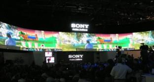 Sony pensa in 4K quest'anno e inizia il 2014 presentando al CES di Las Vegas proprio diverse innovazioni in questo campo. Prezzi abbordabili (per la tecnologia in sé) e massima risoluzione: quest'anno guarderemo la finale di Brasile 2014 in 4K.