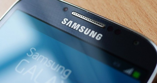 Manca poco al 24 febbraio, giorno dell'evento Samsung in cui dovrebbe essere presentato il nuovo Galaxy S5, ma dalla Russia già cominciano a trapelare indiscrezioni quasi ufficiali sulle caratteristiche tecniche del nuovo top di gamma Samsung. Vediamole insieme.
