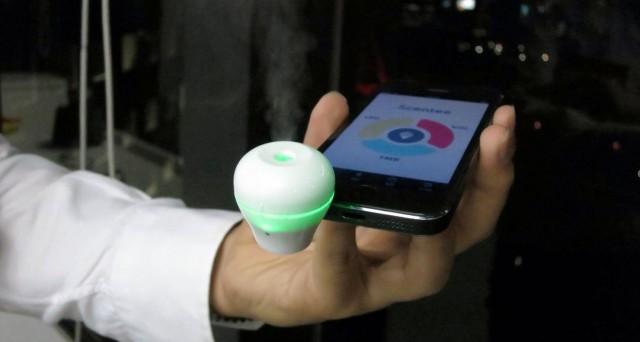 Dal Giappone arriva Scentee, il gadget che profuma iPhone e iPad attraverso notifiche