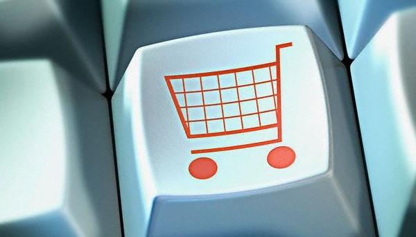 Italiani, popolo di poeti, navigatori e shoppers online. Sì, perché lo shopping online sta diventando anche in Italia una moda sempre più seguita. Ma cosa acquistano online gli italiani di più? Andiamo a scoprirlo.
