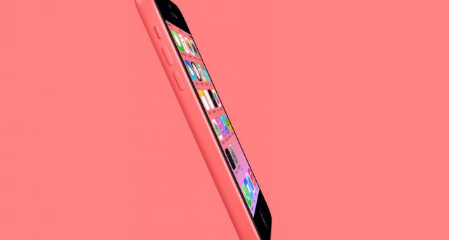 Apple prova a rilanciare iPhone 5C sul mercato, ma con un taglio di memoria minore da 8 GB e un prezzo ridotto, circa 90 euro in meno. Eppure iPhone 5C potrebbe continuare a fare flop: ecco perché.