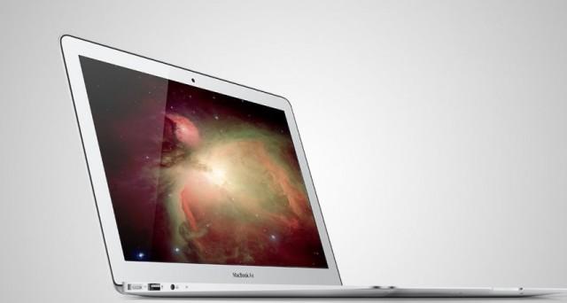 Più sottile e leggero, privo di valvola di raffreddamento, con un nuovo trackpad e un processore ARM: il nuovo MacBook Air si preannuncia un ibrido a metà a tra un ultrabook e un tablet. Scopriamo le ultime novità a riguardo.